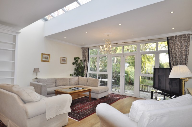 View Full Details for Grove Park Road, Chiswick